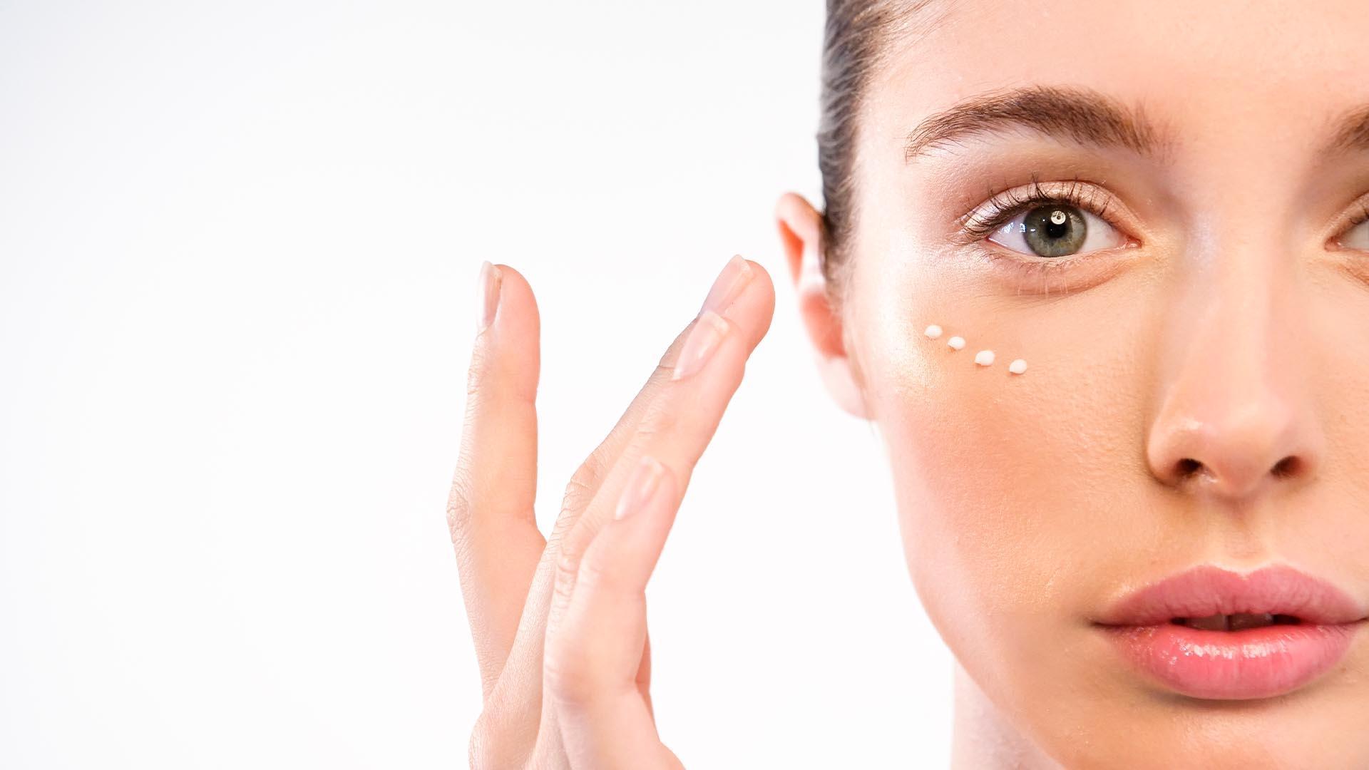 5 cosas que no sabías del contorno de ojos