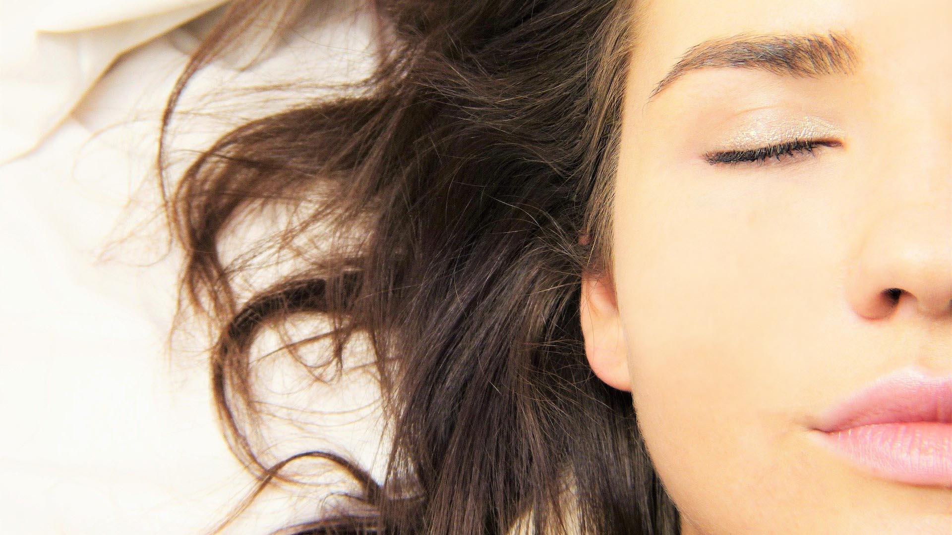 ¿Qué es la doble limpieza facial?